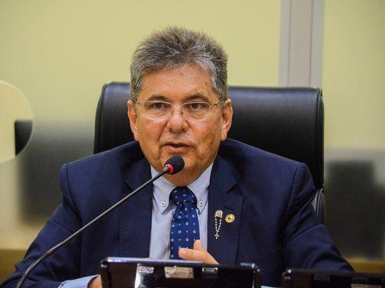Adriano Galdino determina arquivamento do pedido de impeachment de João e  Lígia - Araruna Online