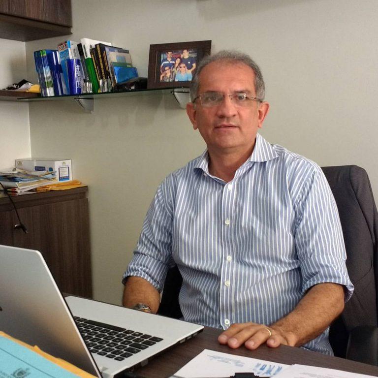 Prefeito de Araruna viaja a Brasília em busca de recursos para novos projetos na cidade