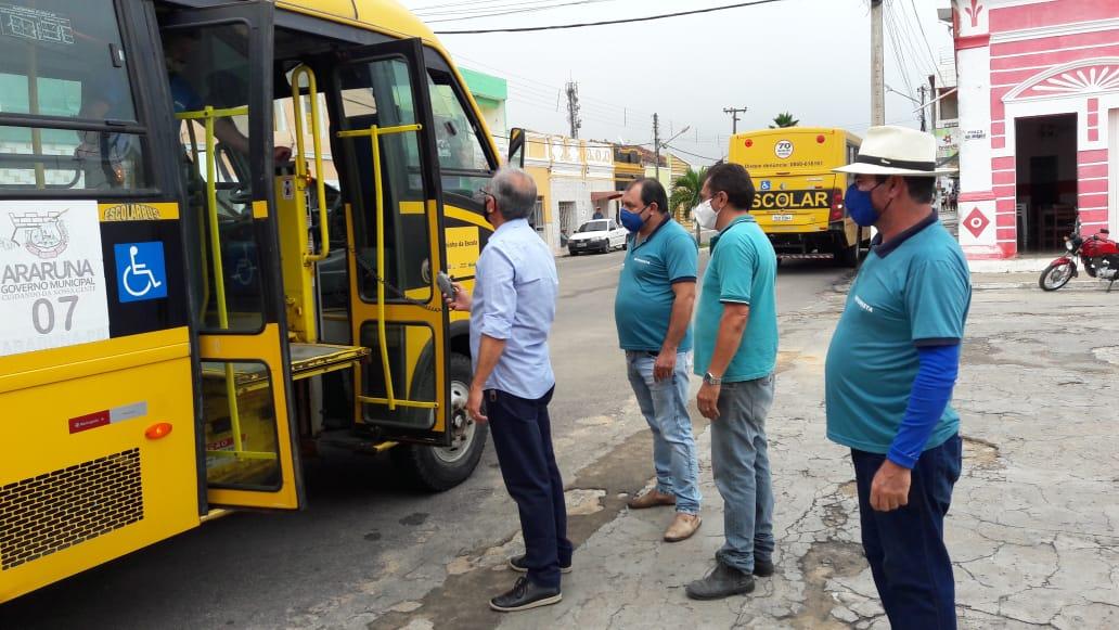 Prefeito de Araruna, Vital Costa fiscaliza transporte escolar