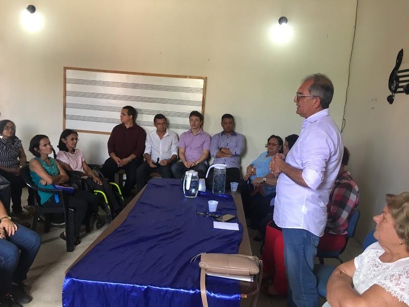 Prefeito Vital Costa e representantes da Secretaria da Economia Solidária participam de reunião com Artesãos e Catadores de Araruna