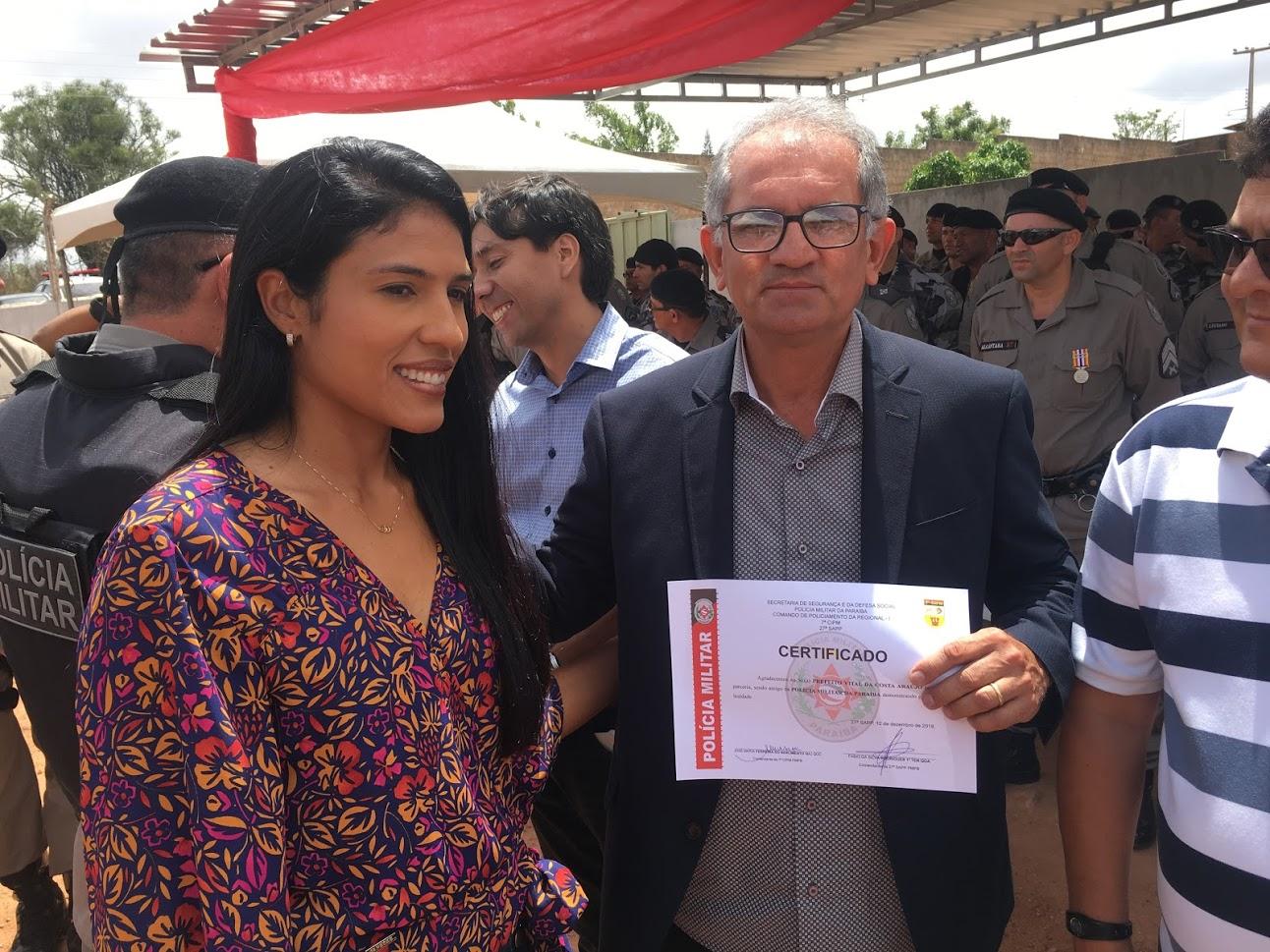 Prefeito Vital Costa recebe homenagem da Polícia Militar
