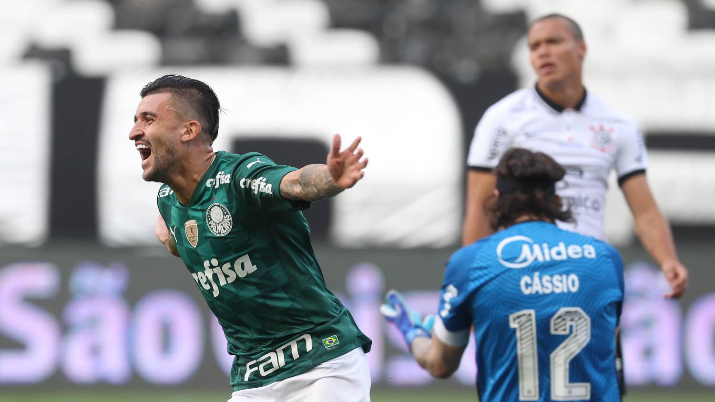 Sem sustos, Palmeiras vence o Corinthians e vai à final do Paulista