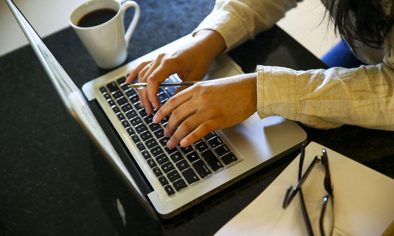 Utilização da internet cresce na Paraíba e chega a 76,7% dos domicílios